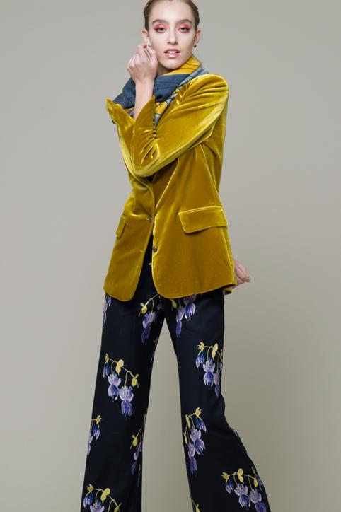 Camicia W9D402 B Pantalone W9A933 V Blazer W9A918 V